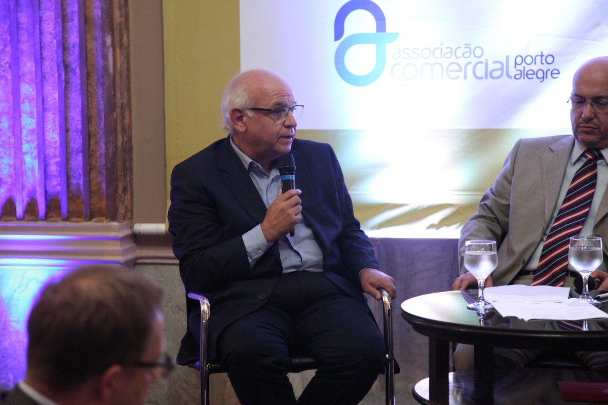 Grêmio debate estratégias de gestão em evento da Associação Comercial de Porto Alegre.  https://t.co/xy8iT9tyjW