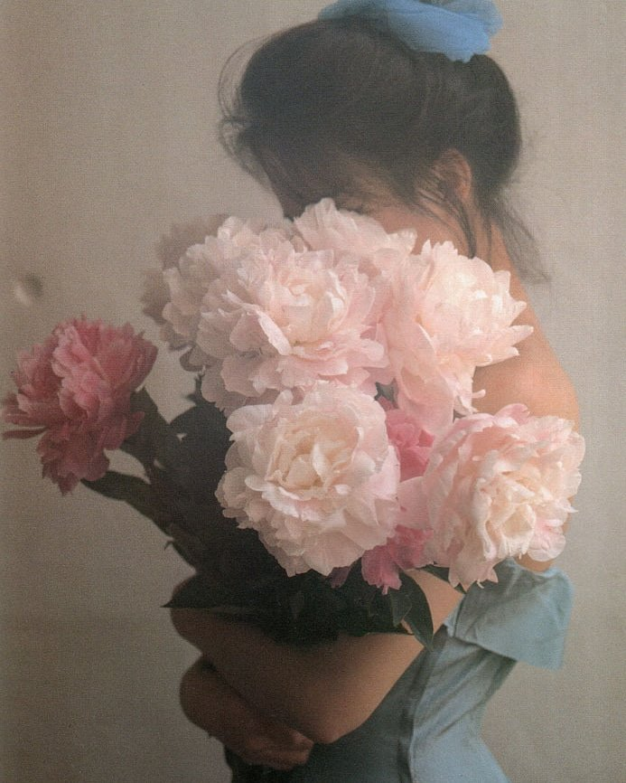 """...""""Beauty is not in the face; beauty is a light in the heart...""""  ~ κɑհℓiℓ ցibɾɑn David Hamilton, 1970s #kindness #lovequotes #floral<br>http://pic.twitter.com/rEUJTeaNJ2"""