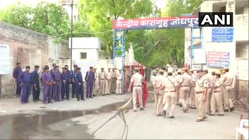 Security tightened at Jodhpur jail ahead of Asaram Bapu's case verdict. #Rajasthan