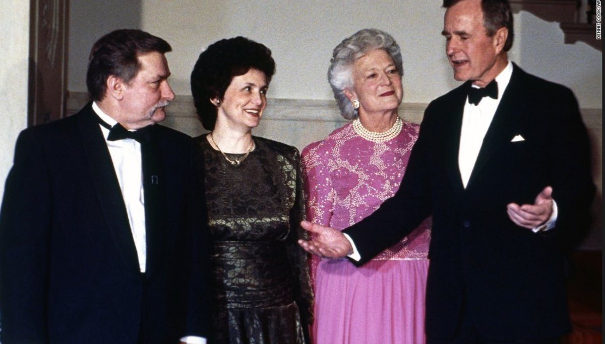First Ladies shine at State Dinners. Barbara Bush with her husband as they honor Polish President Walesa and Mrs. Walesa, Mar 21, 1991