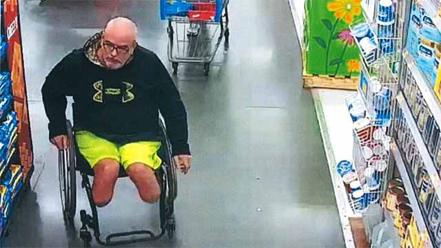 Police searching for man who stole from Glen Carbon Walmart https://t.co/Weku17UAgk