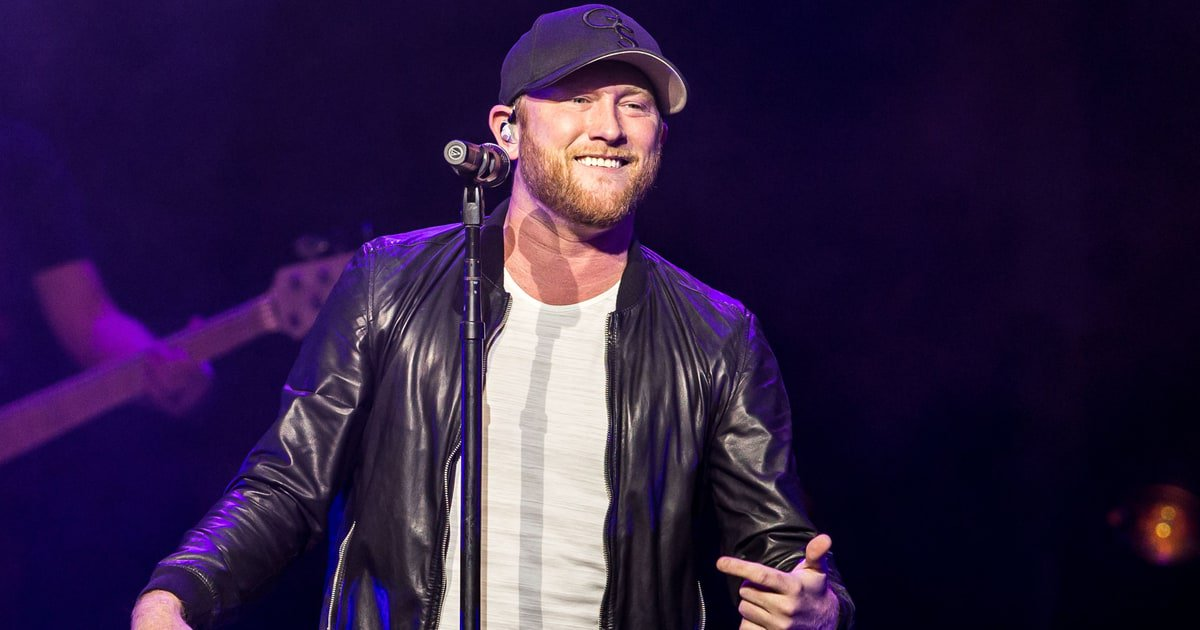 See Cole Swindell lay out Part Two of a bittersweet romantic saga in his new video for 'Somebody's Been Drinkin'' https://t.co/Vb9vAGKEbl