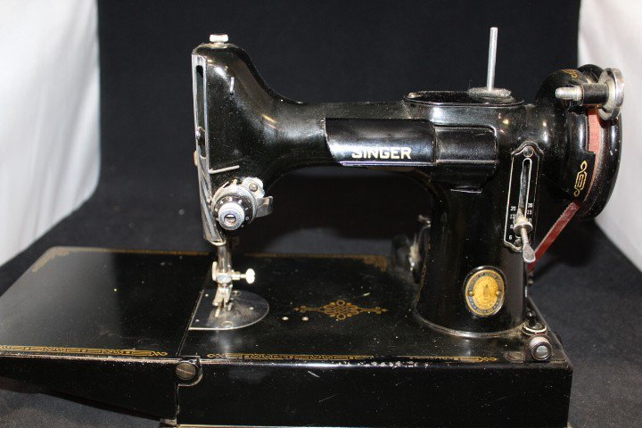 Goodwill Mid GACSRA On Twitter This Vintage Singer Sewing Machine Amazing Goodwill Sewing Machine