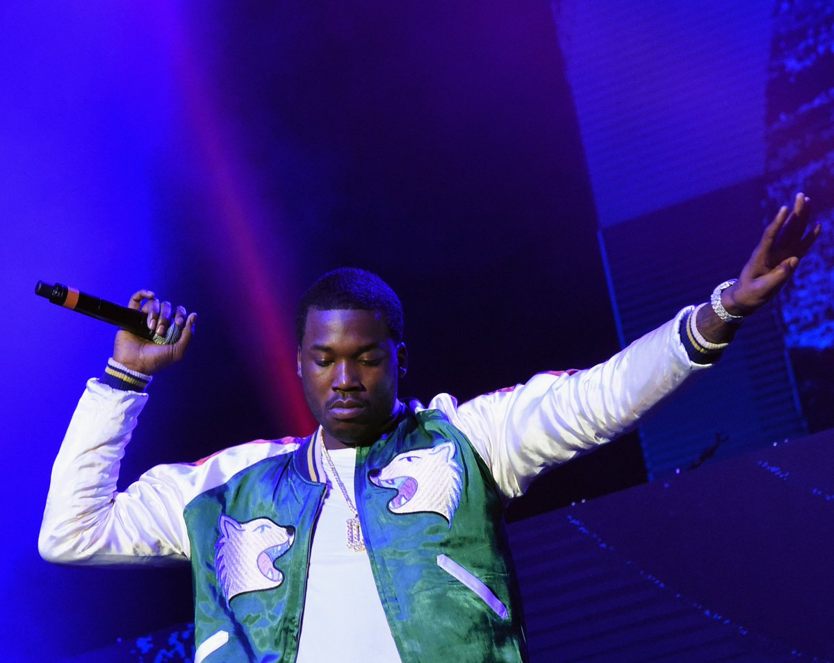 T.I., Rick Ross, and others congratulate Meek Mill on his release from prison. https://t.co/nqgX1YWZMC
