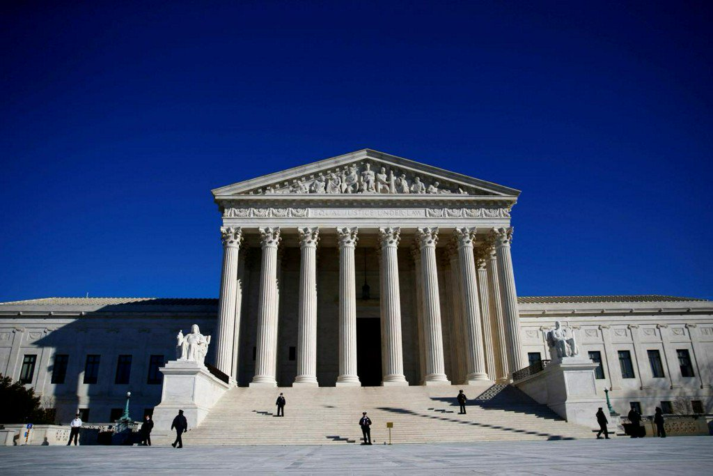 U.S. Supreme Court divided over Texas electoral district fight https://t.co/A5WUekUD53 https://t.co/FqKasXt7Nw