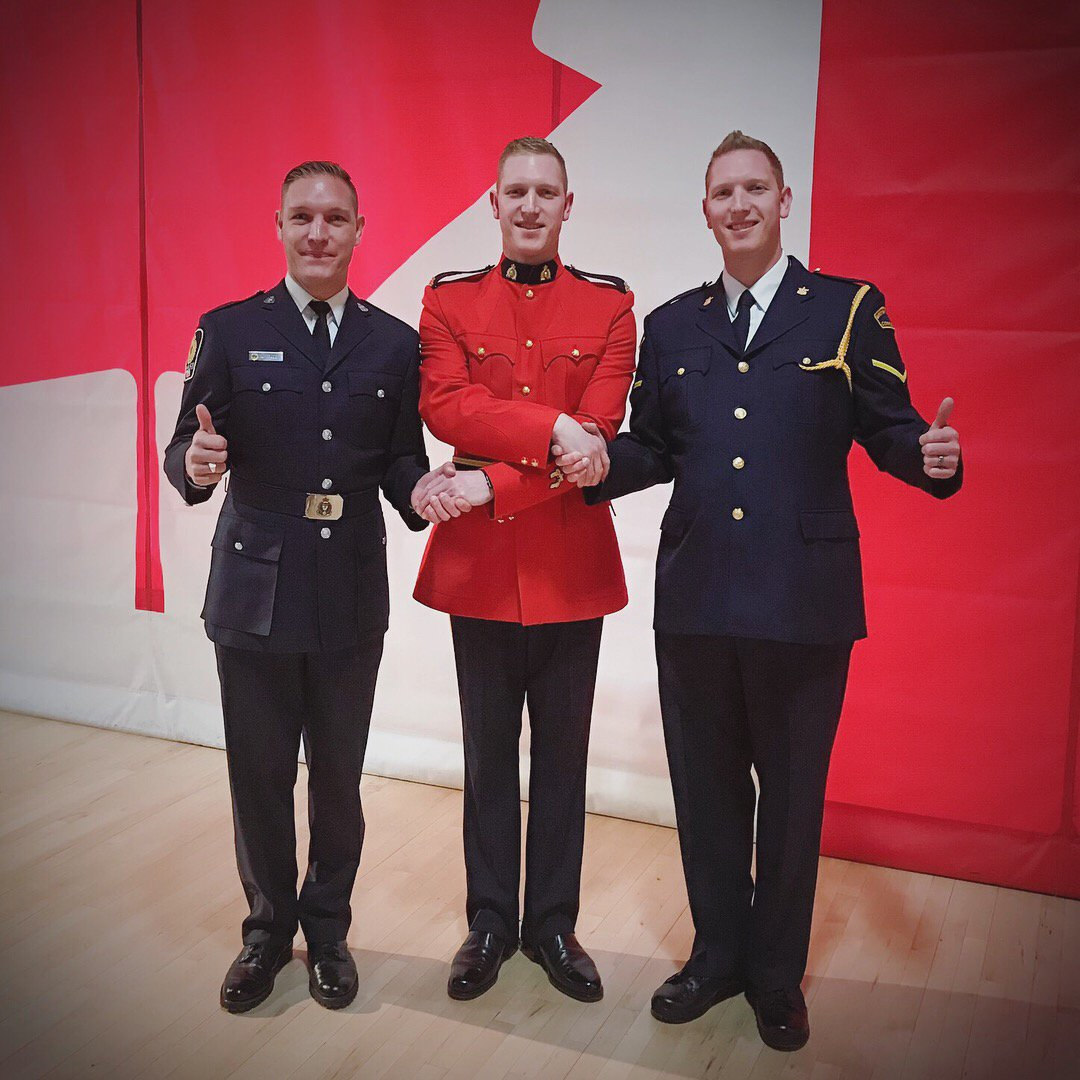 Congrats to the Fraser family! 3 boys now serving #LawEnforcement &amp; #community with new RCMP graduate Cst Chad Fraser, brother of #VPD Cst Lance Fraser and their younger bro with Provincial Corrections. Symbolic of @VancouverPD&#39;s great relationship with @BCRCMP @BCPublicService<br>http://pic.twitter.com/UlU5735pqq