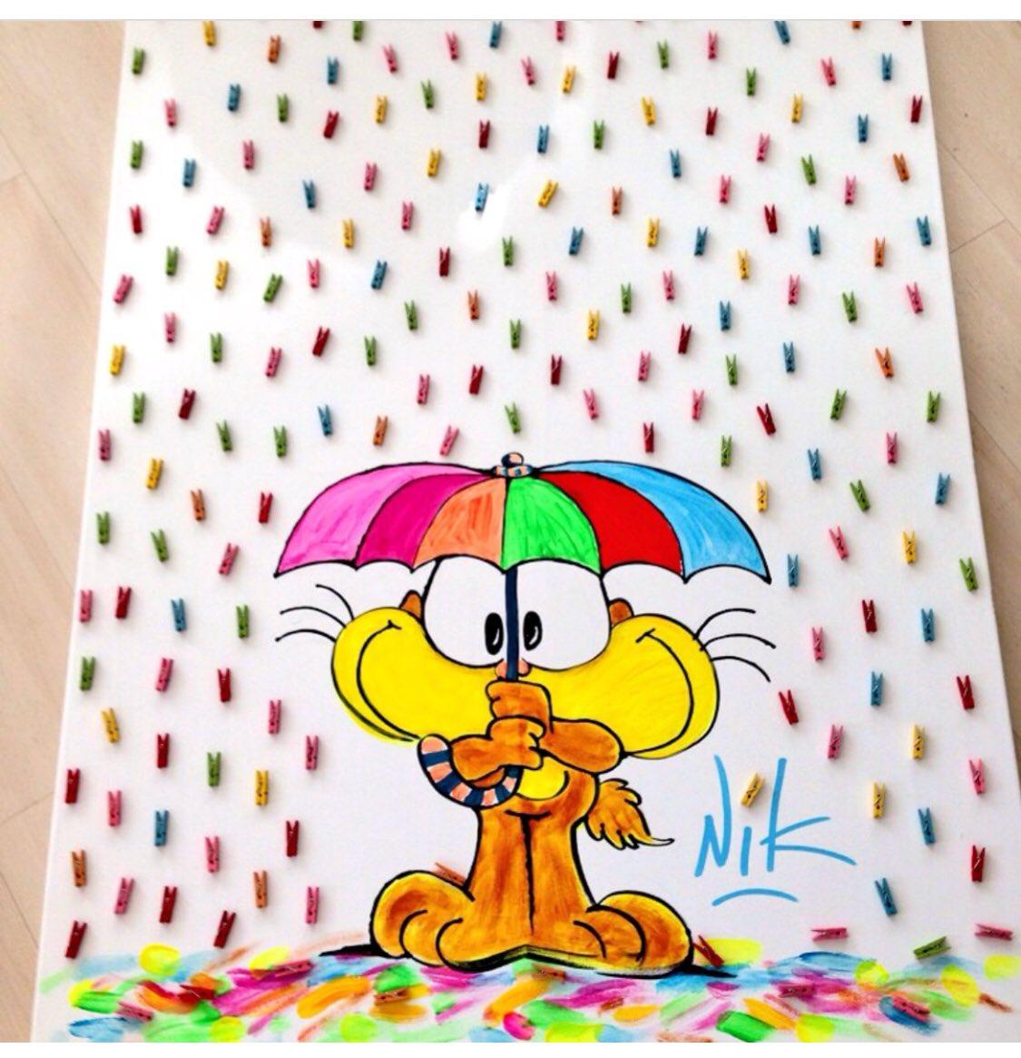 Llueve ☔️☔️☔️🍎🍏🍉🍌🍒#MartesIntratable http...