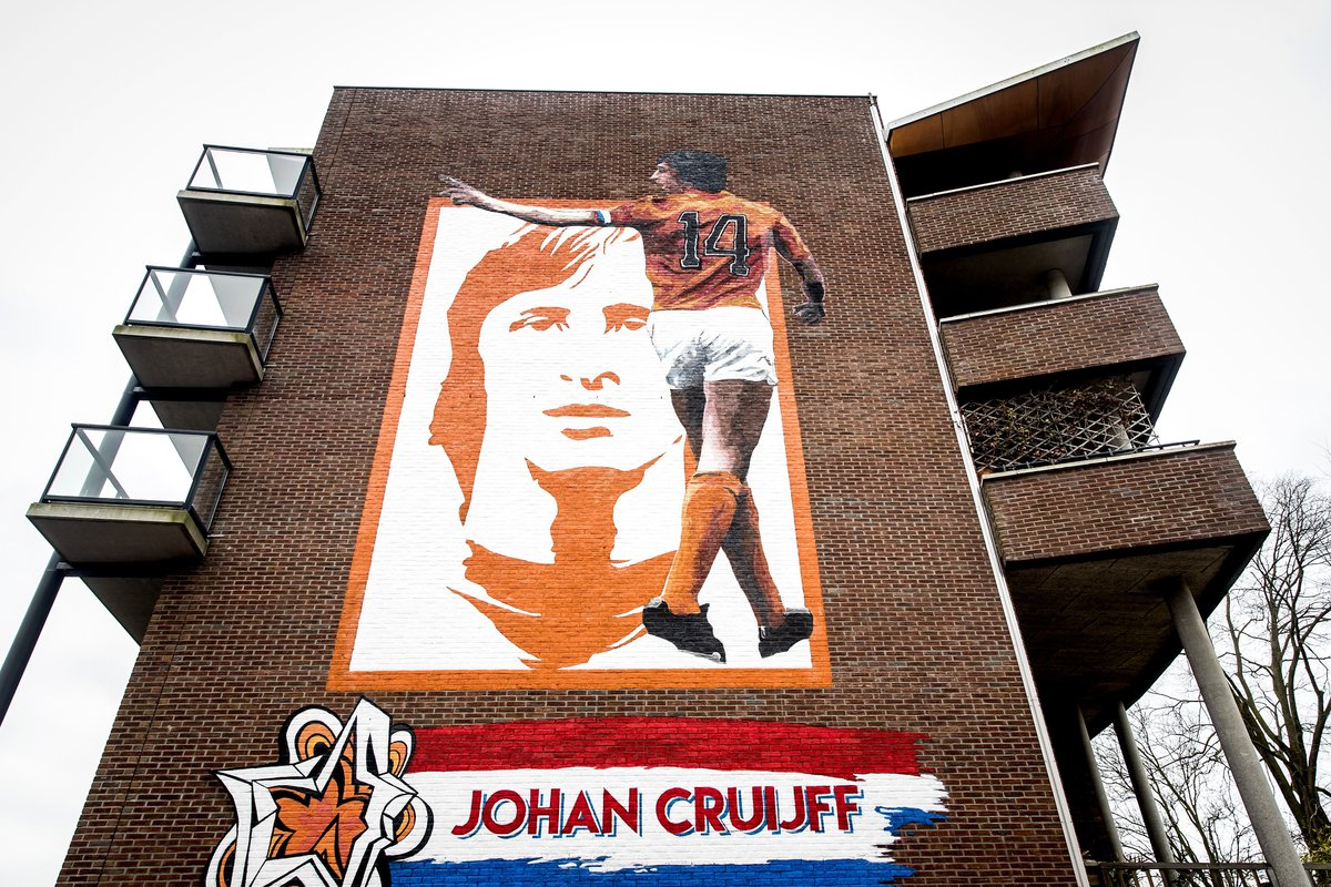 #OnThisDay in 1947, a legend was born.  Johan Cruyff will never be forgotten.  #legend