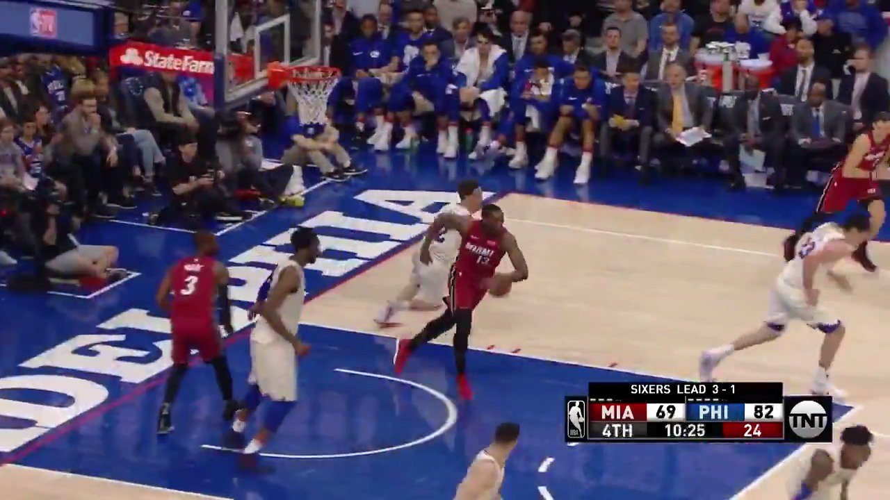 JJ Redick splashes 5 triples en route to a game-high 27 to lead the @Sixers to a series W!  #PhilaUnite https://t.co/eijkLhiupg