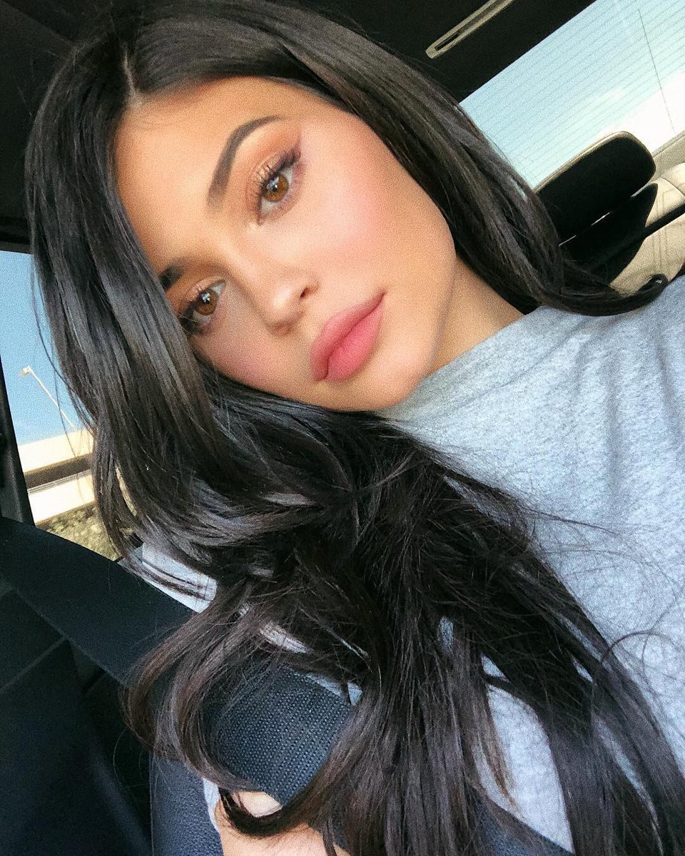 Twitter Kylie Jenner nude photos 2019