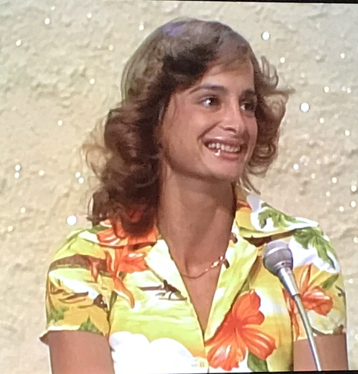 Love it when an old game show player ends up becoming famous--like Patti Paniccia (below), who in 1977 was a student in Hawaii and fledging surfer. She went on to be a big deal in surfing, a CNN reporter and a law professor. https://t.co/cPqQoPY4Db