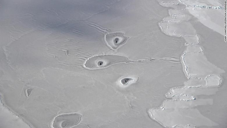 These mysterious Arctic ice holes have NASA scientists puzzled https://t.co/qkiPdmsjrv https://t.co/D2dpqDqj9C