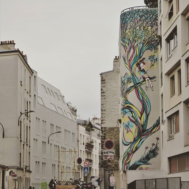 Start dreaming in this street / #art by #Anis. . #paris #streetart #graffiti #urbanart #graffitiart #streetartparis #parisstreetart #msaparis #parisguru #urbanart_daily #graffitiart_daily #streetarteverywhere #streetart_daily #mural #ilovestreetart #iger…  https:// ift.tt/2HMFdOc  &nbsp;  <br>http://pic.twitter.com/SClFcFsZir