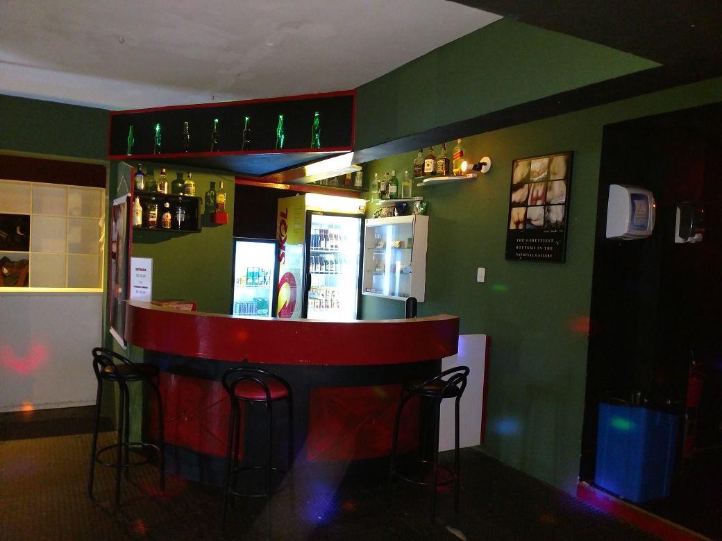 Resultado de imagem para cabines bar
