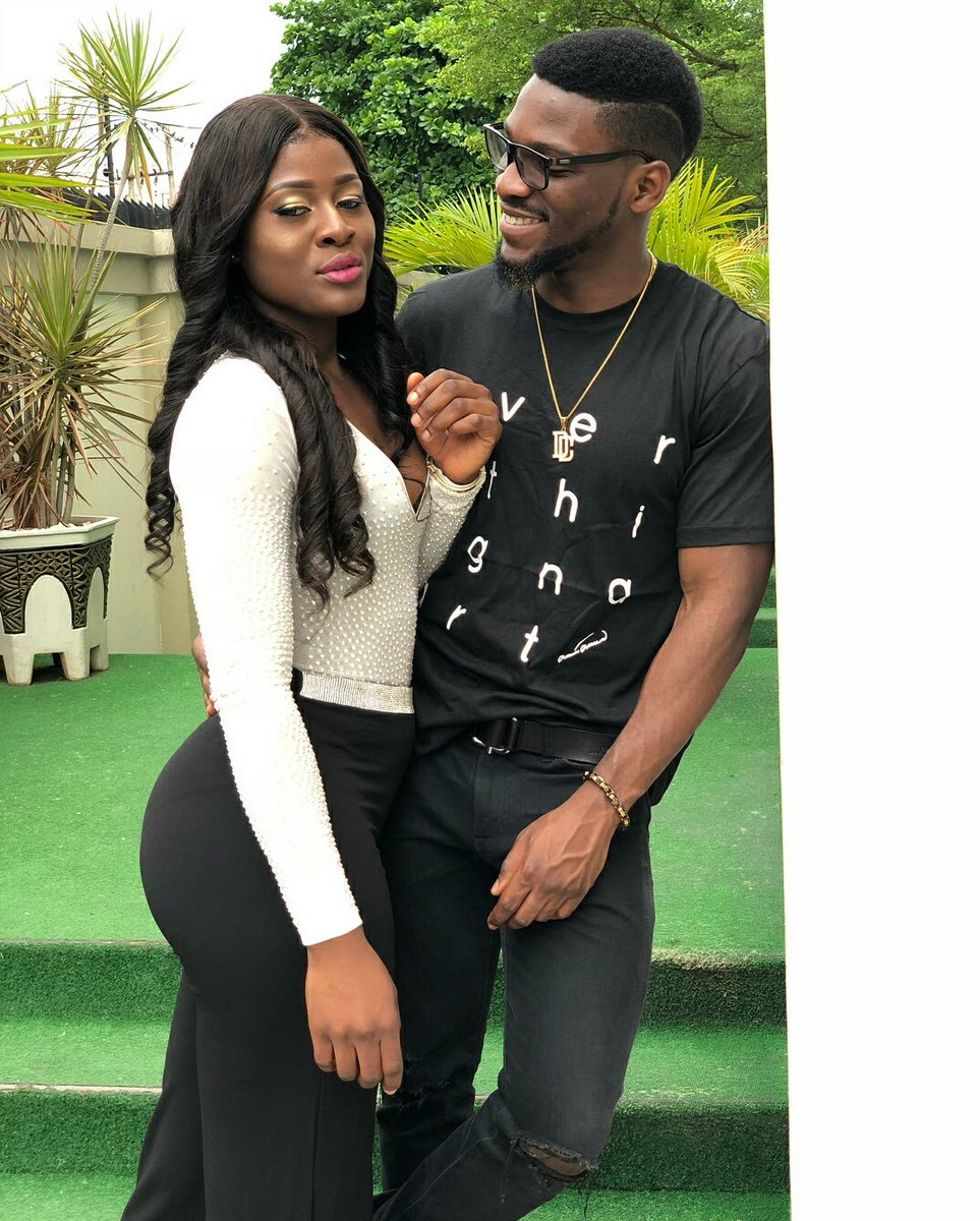 If your man doesn&#39;t look at you the way Tobi looks at Alex, what are you waiting for? DUMP HIM! #bbnaija #tolex #besties<br>http://pic.twitter.com/uB9ueoczBR