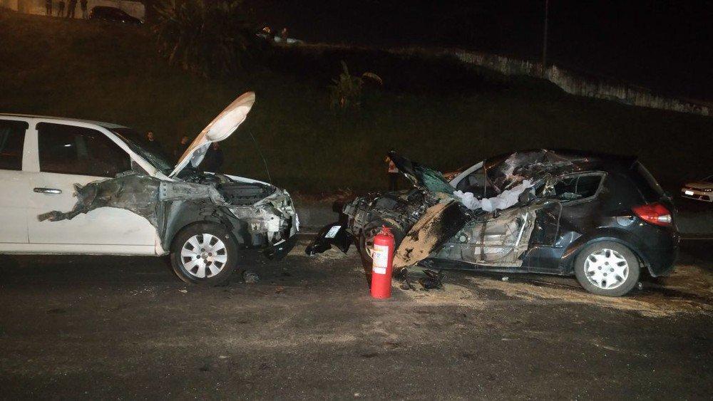 Após motorista da Uber ser achado morto, suspeitos usam o carro e provocam acidente com morte em Curitiba https://t.co/u9IwoNebXE #G1