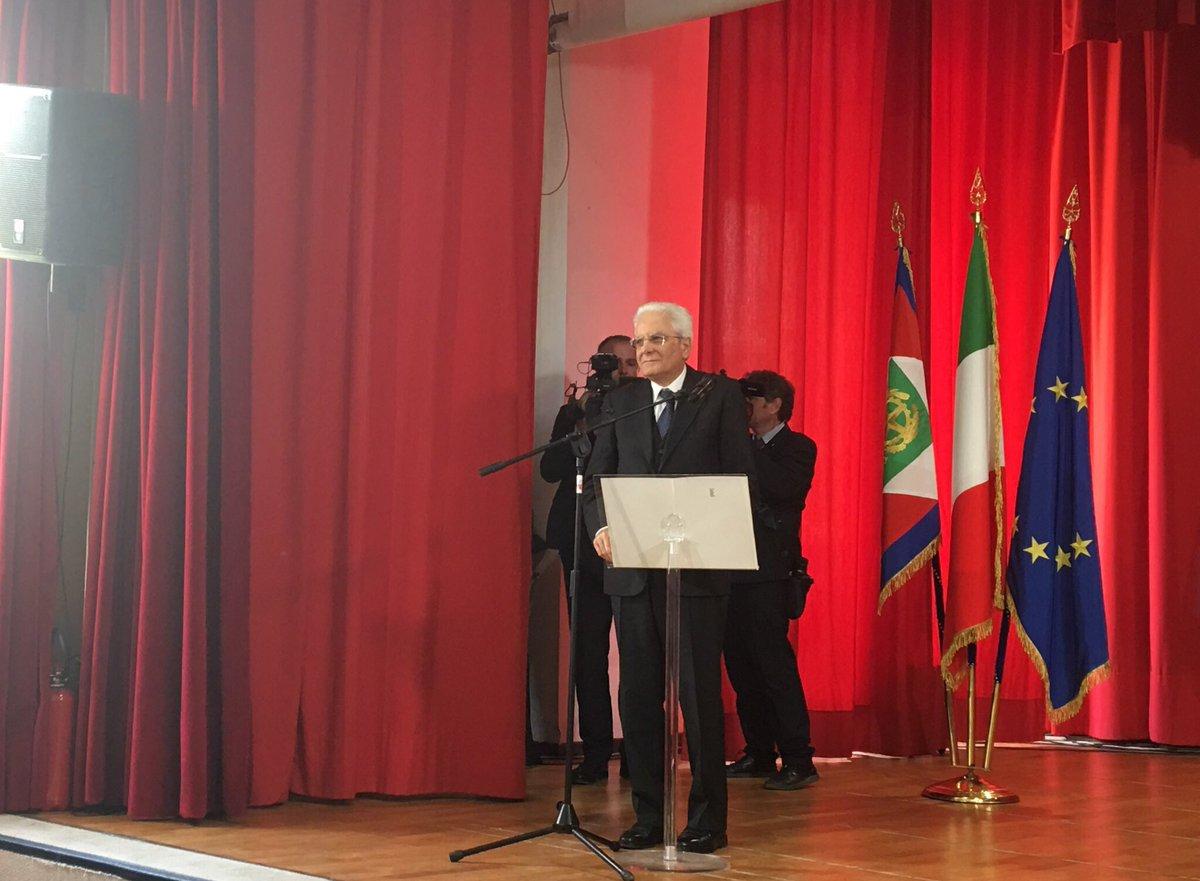 #25Aprile, #Mattarella: vorrei rivolgere un commosso pensiero anche a tutti quei giovani soldati, provenienti da tante parti del mondo, che sono caduti sul suolo italiano per liberarci dal giogo nazifascista: non sono stranieri, ma sono nostri fratelli
