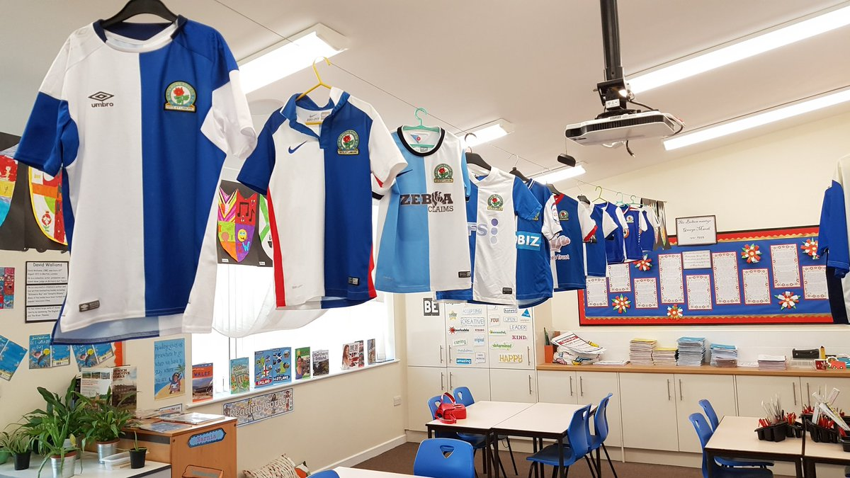 As a teacher, I thought it&#39;s my duty to remind my #bolton class who their teacher supports....too much?#Rovers #TMBWA #goingup #yeeeesssssss<br>http://pic.twitter.com/t2zpuDH2q9