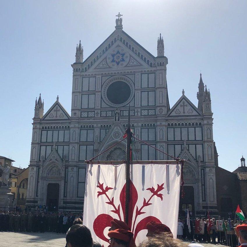 #25aprile. Che sia giornata di riflessione, di memoria e di festa. Senza polemiche. Viva la libertà, viva la Liberazione. La festeggio in piazza nella mia #Firenze