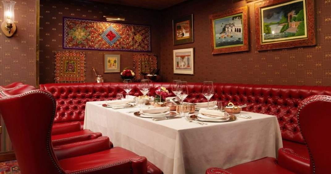 The Rubens at The Palace hotel, overlooking the Royal Mews of Buckingham Palace, has opened a new Indian restaurant, The Curry Room, with a blend of Indian and South African flavors. Chef Arun Kumar is ex-Tamarind. @rubenshotel https://t.co/IZwFSaCzY2