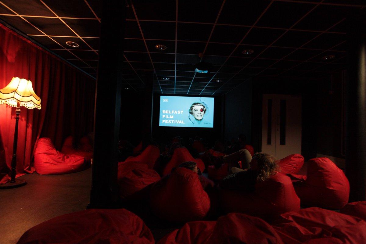Terrific Beanbag Cinema Bffbeanbag Twitter Andrewgaddart Wooden Chair Designs For Living Room Andrewgaddartcom
