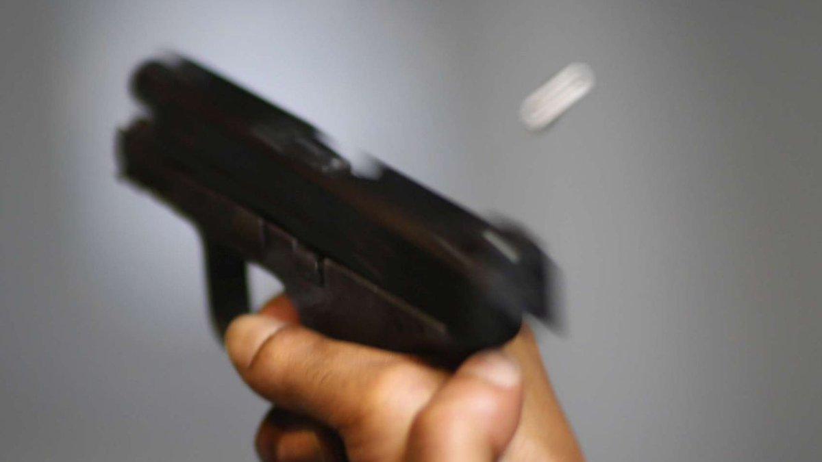 Potenza, padre uccide il figlio con colpo di pistola e si suicida  #potenza https://t.co/JThIS1MRh9