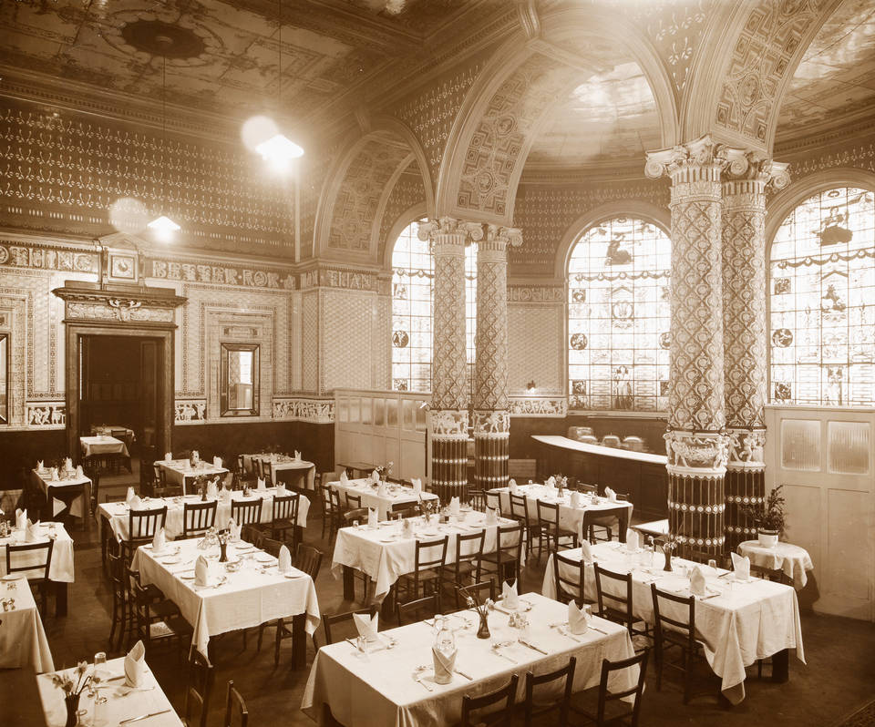 Whilst most other museums didn't invest in catering until the 20th century, we are the first Museum doing it with style since 1856. Read all about our famous café's heritage here:  https:// goo.gl/iVGy5V  &nbsp;   #HeritageMW<br>http://pic.twitter.com/HjcdlAb2Dx