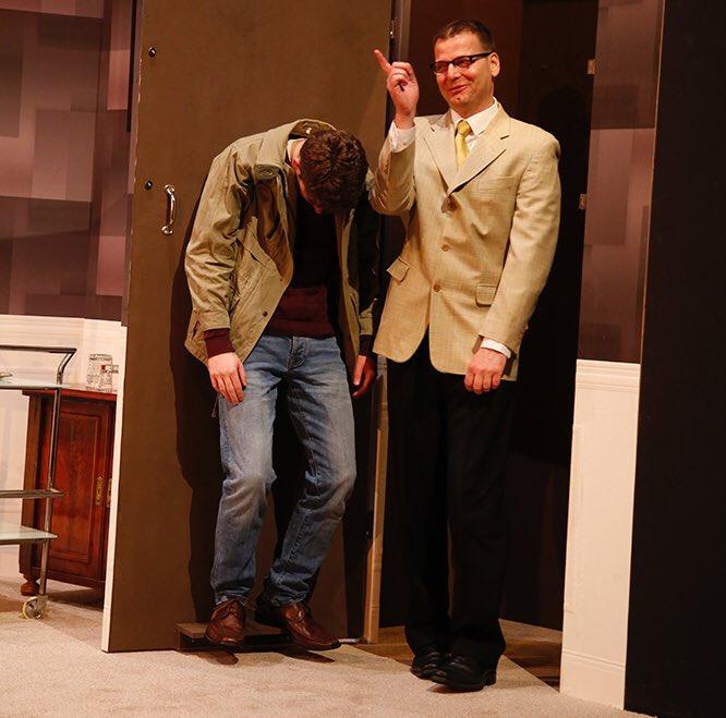 #AußerKontrolle kehrt zurück! Die grandiose #Farce von @TheRayCooney in der Inszenierung von @KayKruppa hat seit der Premiere für ausverkaufte Vorstellungen, begeisterte Zuschauer & Standing Ovations gesorgt. Von 2. bis 12.5. stehen 10 Zusatzvorstellungen auf unserem Spielplan! pic.twitter.com/iGyHQeoxLt – at Weyher Theater