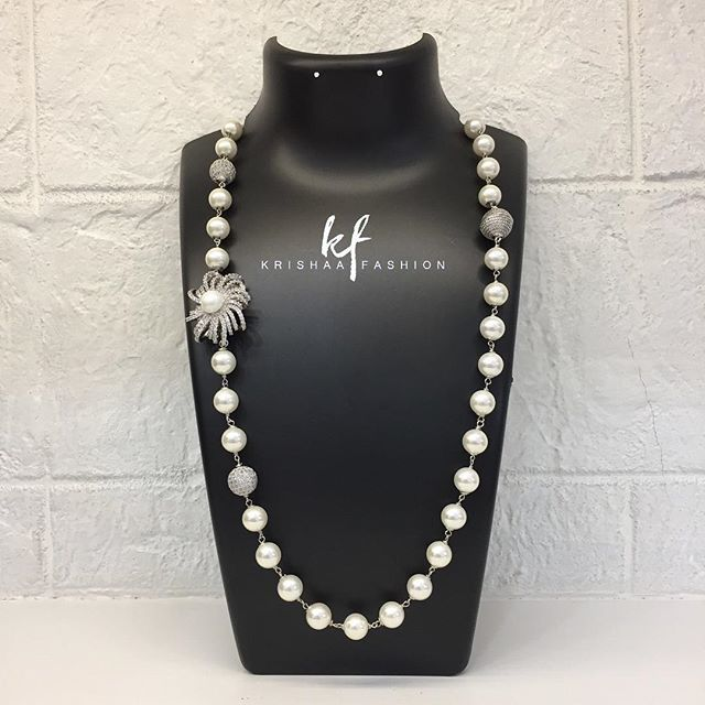 Flowerdesign hashtag on twitter diamond balls necklace with flower design side pendant fashion accessories jewellery jewelry pearl shellpearl americandiamond diamond balls mozeypictures Choice Image