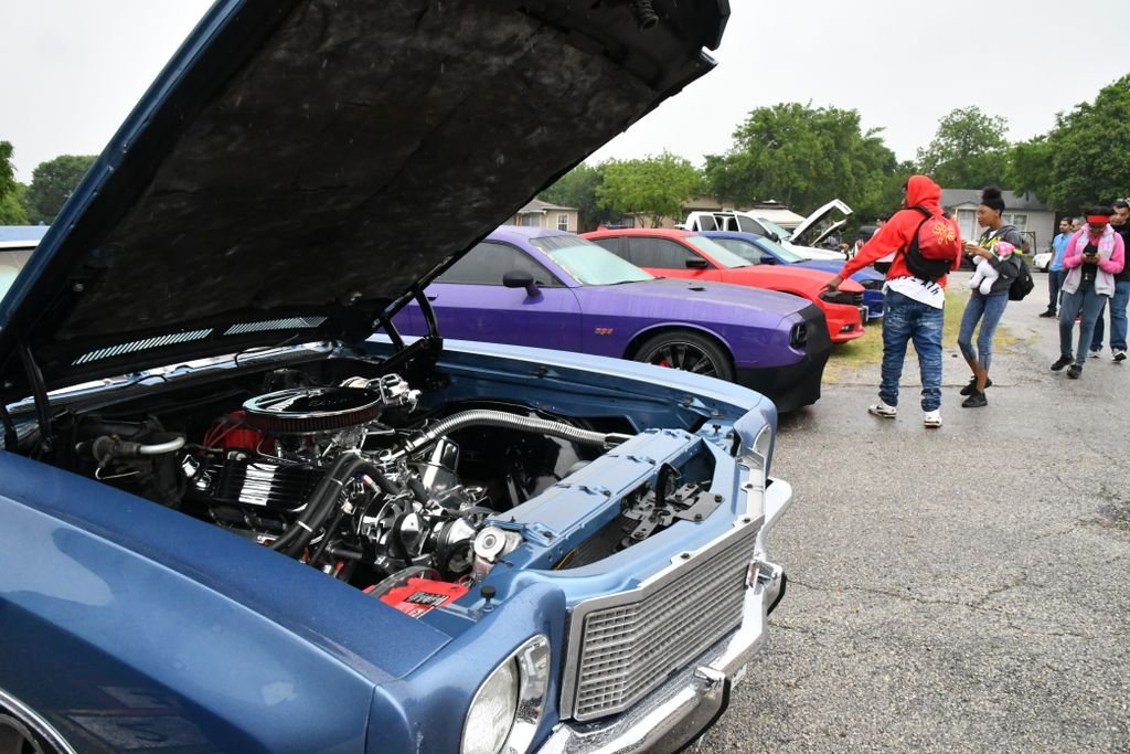 SAISD On Twitter Fiesta Is A Time To Bond With Your Neighbors And - Jefferson car show