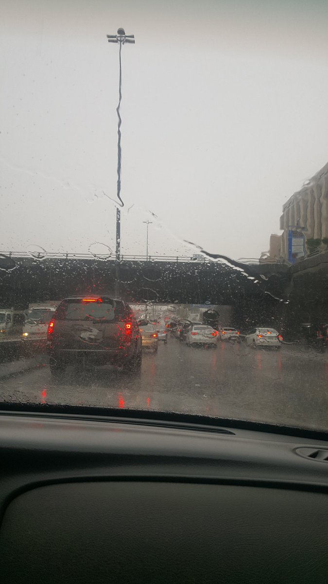 On the way to the airport!  #rain #riyadh<br>http://pic.twitter.com/Wkh3Y3Ydwg