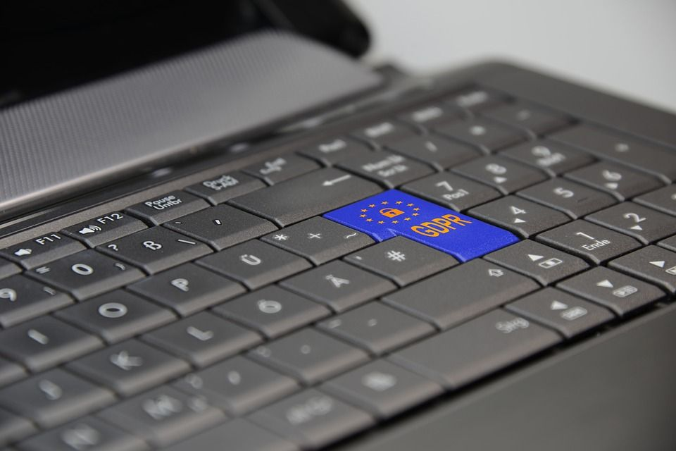 GDPR changes the game for #marketers. See how the new law affects the space of #personalization  https:// buff.ly/2HX3fE9  &nbsp;  <br>http://pic.twitter.com/7f2jAeAJkc