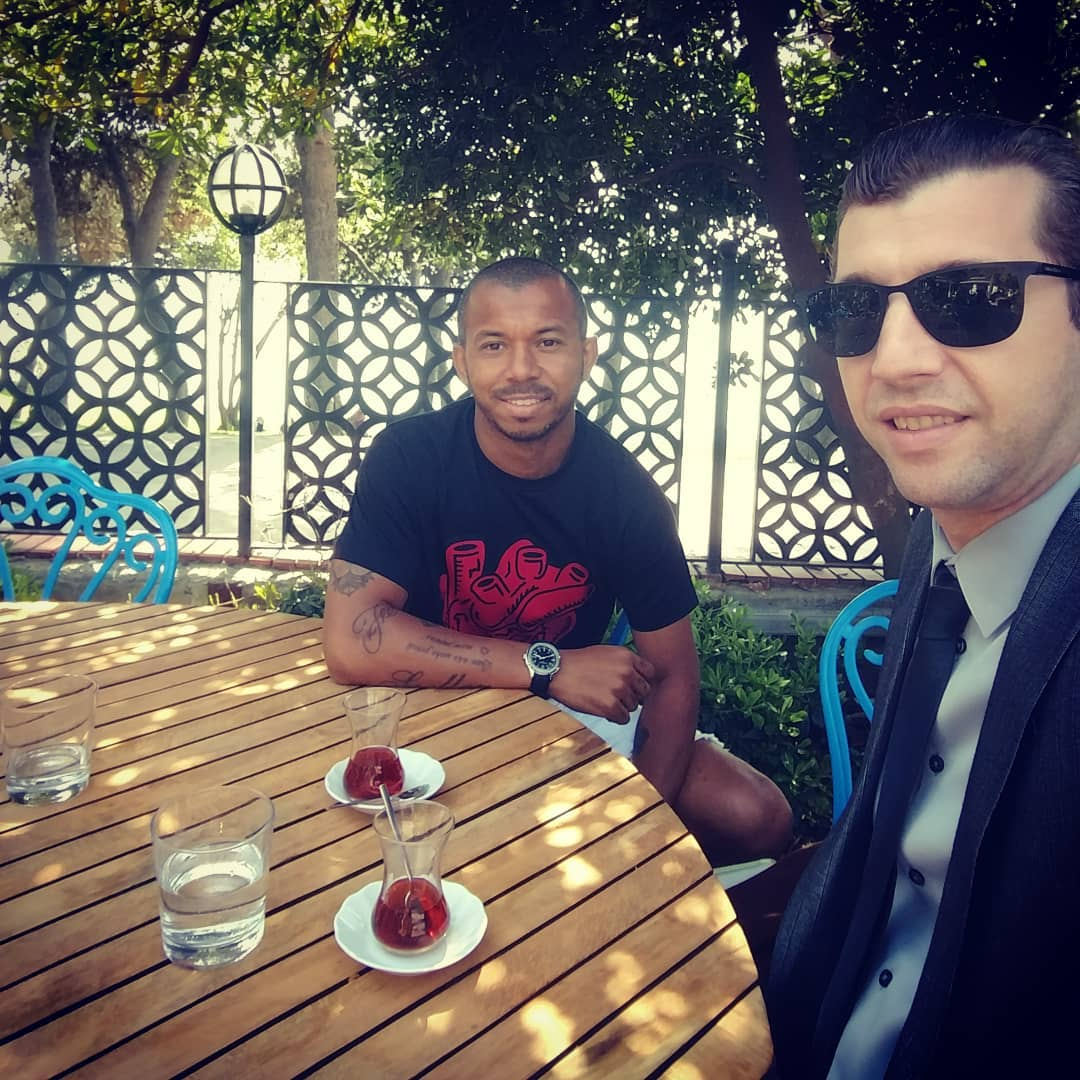 Lunch time with my agent @m_robalinho @think_ball! 🍽 🇹🇷