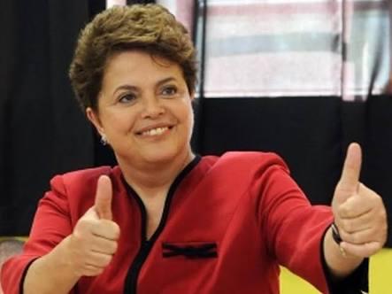 'Dilma Rousseff superou Aécio Neves nas urnas e perdeu, no tapetão, para uma conspiração que ele integrou. No balanço sincero da história, Dilma se consagra como mulher digna e valente. Aécio se consolida como um aécio.' (por @mariomagalhaes_ )