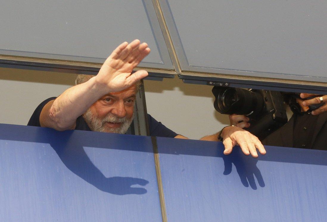Defesa de Lula pede que Moro mande ações contra o petista à Justiça de SP https://t.co/70tn6OxlTk