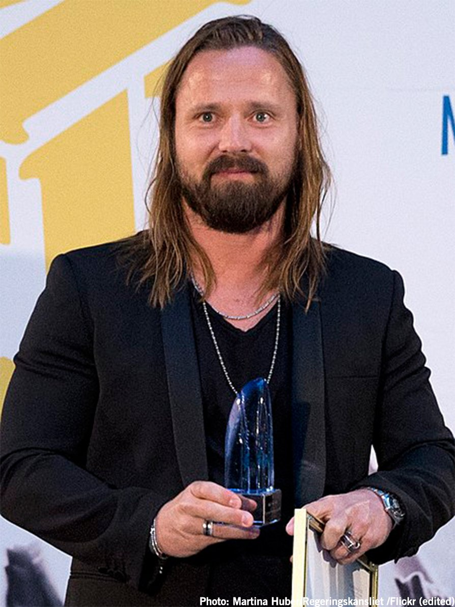 For his achievement in crafting some of the most popular songs of 2017, Swedish songwriter/producer #MaxMartin was awarded the 2018 @ASCAP #PopMusic Songwriter of the Year award for the 11th (!) time on Monday. Join us in saying a huge GRATTIS to him!  http:// ow.ly/kmD930jGar4  &nbsp;  <br>http://pic.twitter.com/YjQ6smEtRZ