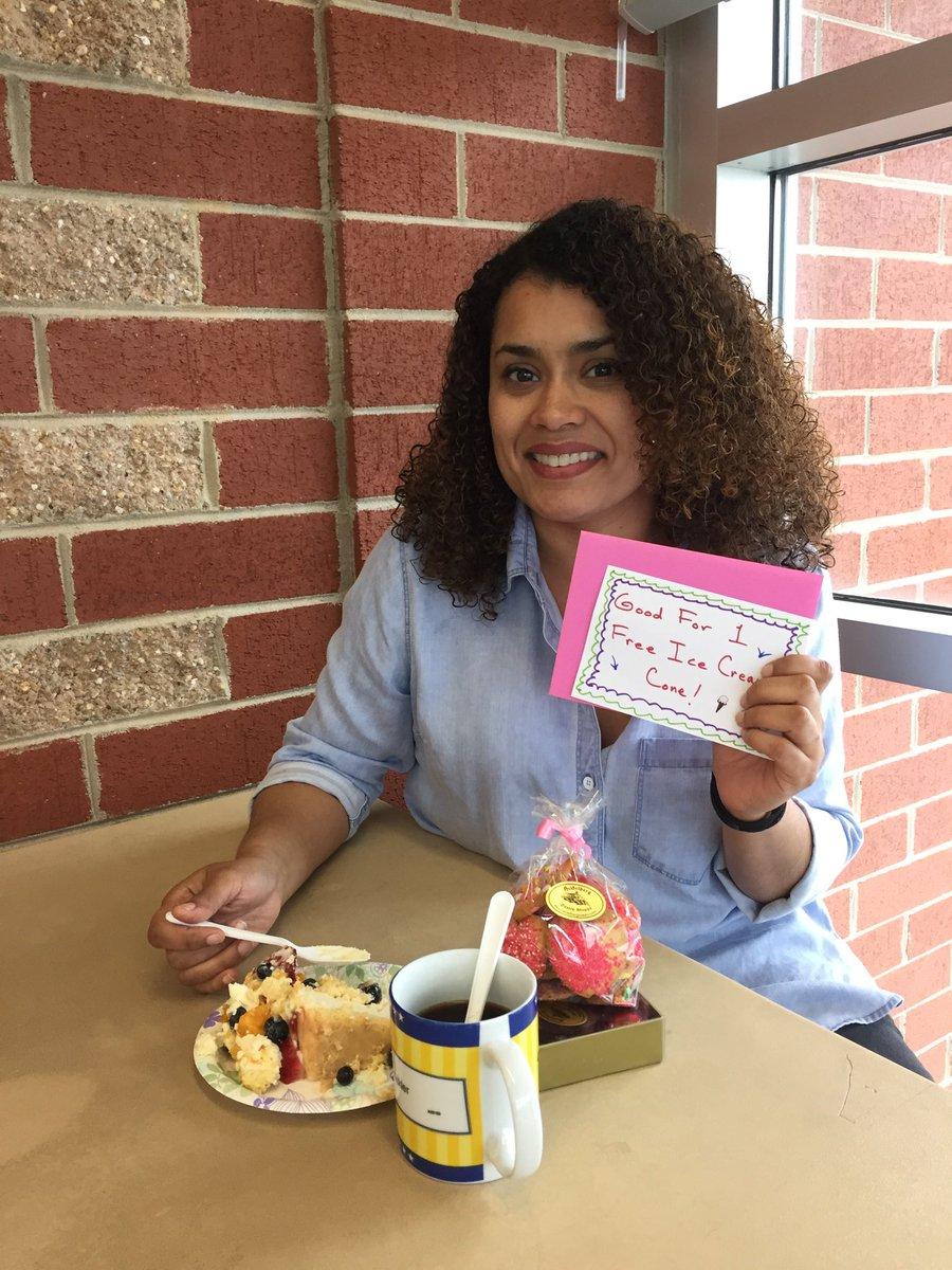 Happy administrative day Mrs. Palomo <a target='_blank' href='https://t.co/rG7dSDZJqU'>https://t.co/rG7dSDZJqU</a>