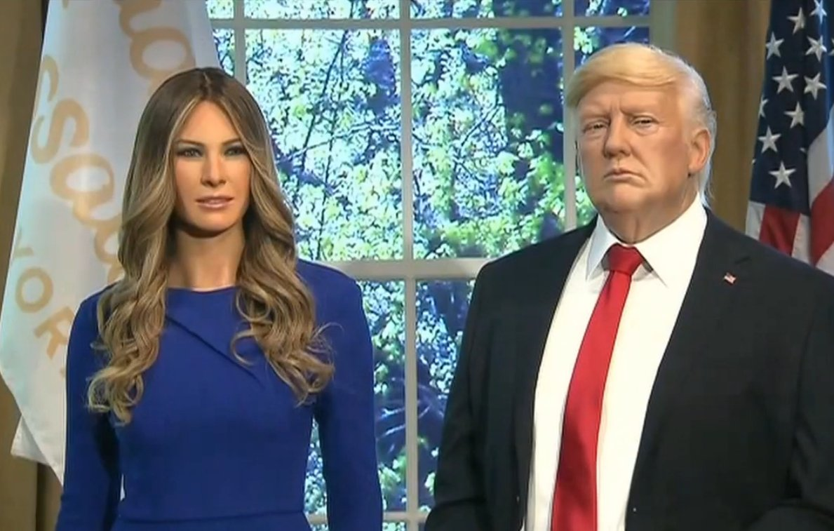 Sean Spicer helps Madame Tussauds launch wax figure of First Lady Melania Trump https://t.co/us5yKYYs7k