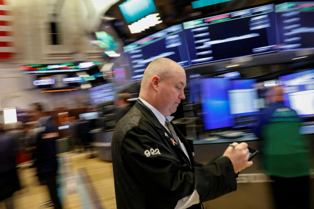NYSE says trading suspended in five symbols https://t.co/JfpSGHKq7n https://t.co/zPdH338lQg