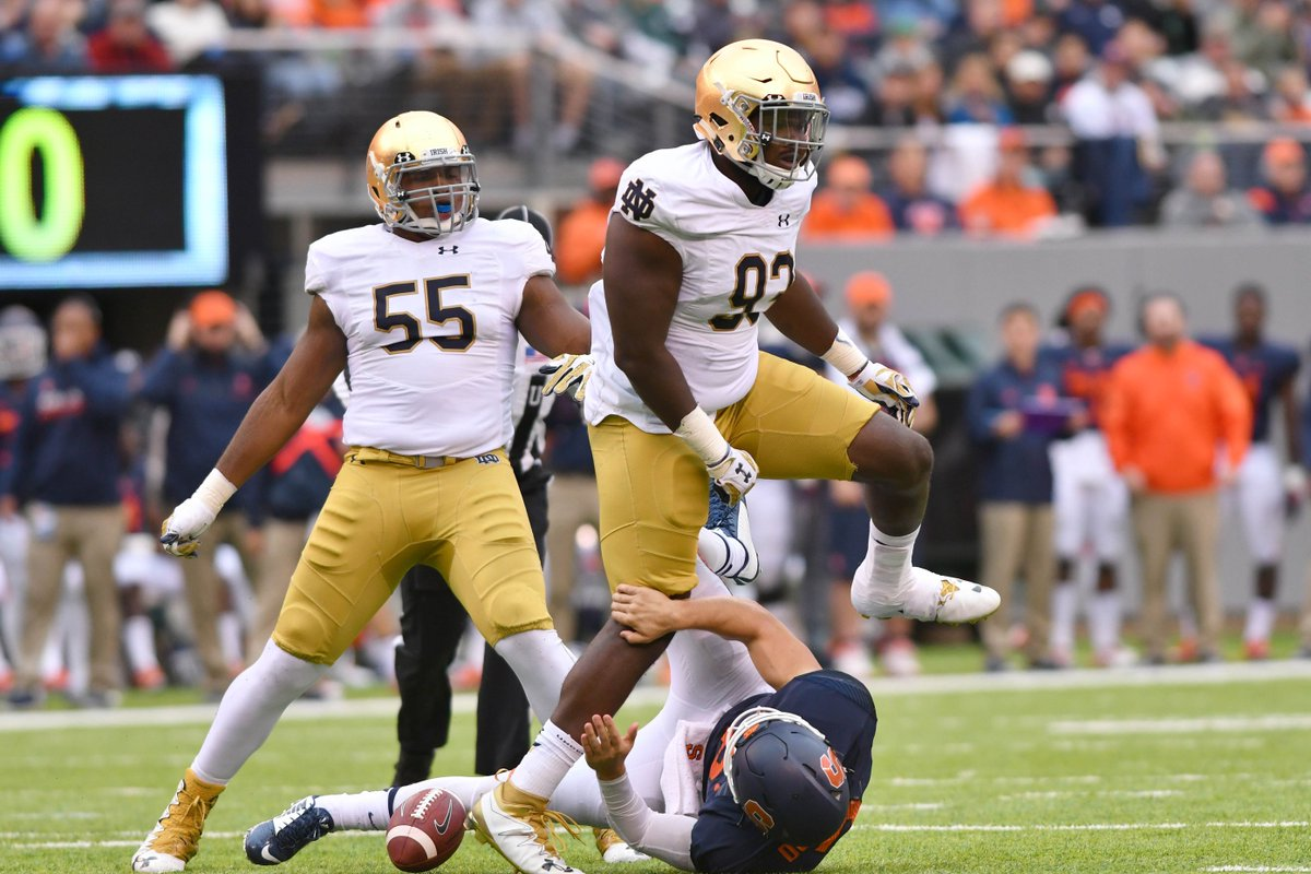What is #UGA getting in Notre Dame graduate transfer Jay Hayes? @BGI_CoachD has a breakdown Georgia fans have to read:  https://t.co/lgvEcW0XPW