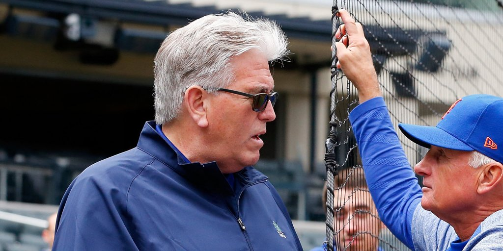 Sports radio legend Mike Francesa is under fire for forcing his way back into a job he retired from 4 months earlier https://t.co/UcuAOBb553