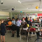 Image for the Tweet beginning: 4th graders using a balloon
