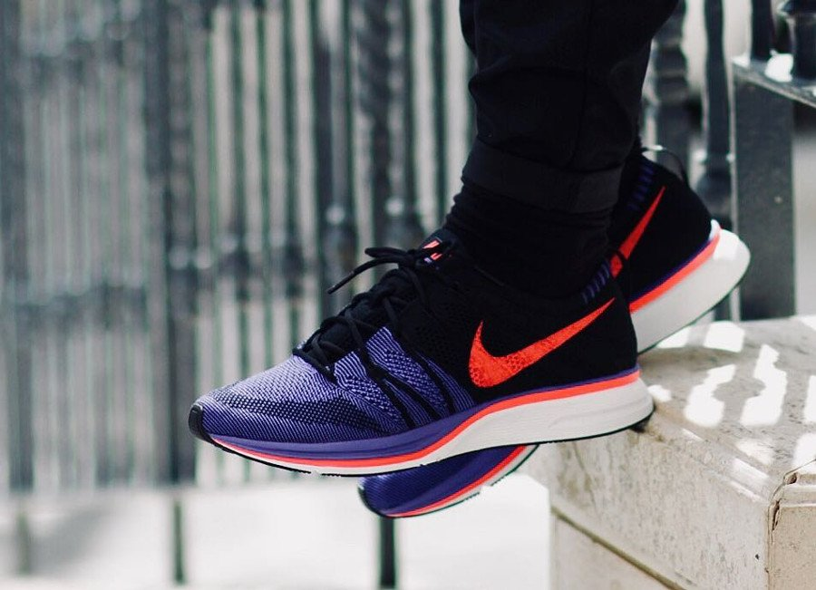 best service 86aa7 d18e3 hot nike dresses the flyknit trainer in a clean mix of black white c1337  a5703  buy 1130 am 25 apr 2018 5ac95 bf231