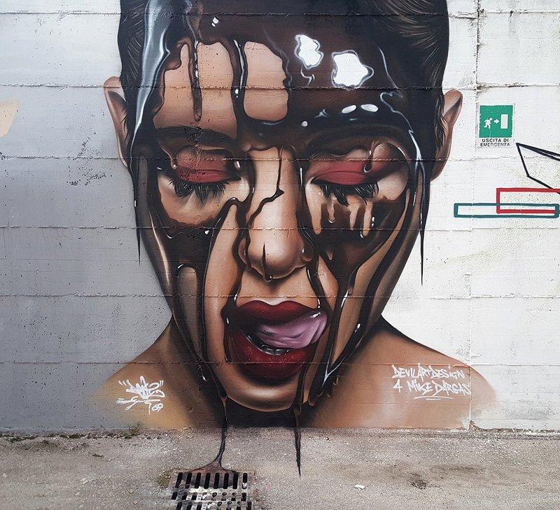 ... chocolate like blood... on the tongue. Art by Devilartdesign #Streetart #Art #Chocolate #Blood #Tongue #beauty #Graffiti #MUral<br>http://pic.twitter.com/PGvaBTAT84
