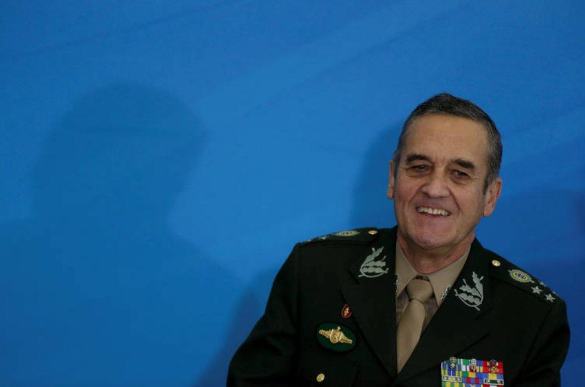 Comandante do Exército é submetido a procedimento gástrico em Brasília (via @folha_poder) https://t.co/UlGH8kAVR5