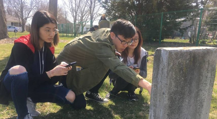Read about how Windsor @OnlyatASCIS students have used #GIS to document lost #blackhistory in Essex County  https:// bit.ly/2vMb39k  &nbsp;  <br>http://pic.twitter.com/OQCZzg4K82