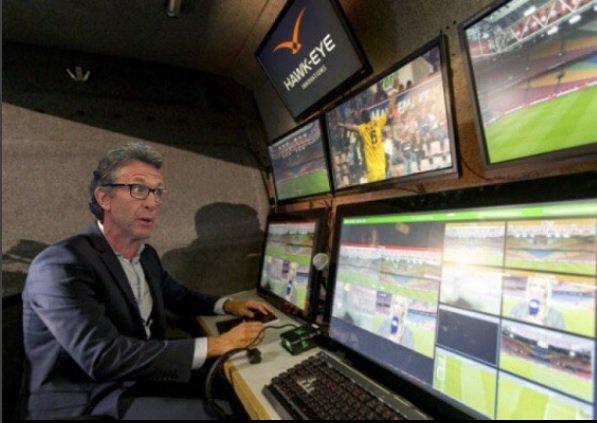 Corinthians, ufaaaa, apoiou o vídeo-árbitro. É o fim do Apito Amigo substituído por observador isento, leal e democrático.