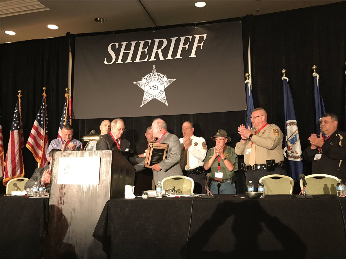 Honored to receive the Virginia Sheriffs&#39; Institute Legislator of the Year Award. Virginia Sheriffs and deputies put their lives on the line everyday to protect our communities. While you have our backs at home, I will have your backs in Richmond. #Sheriff #LawEnforcement <br>http://pic.twitter.com/TPl7UbQSOD