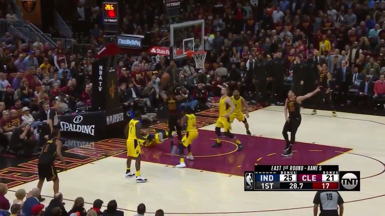 Big 14 point 1st quarter for LeBron James in Game 5!  #WhateverItTakes #NBAPlayofffs https://t.co/ELAoY8O8sH