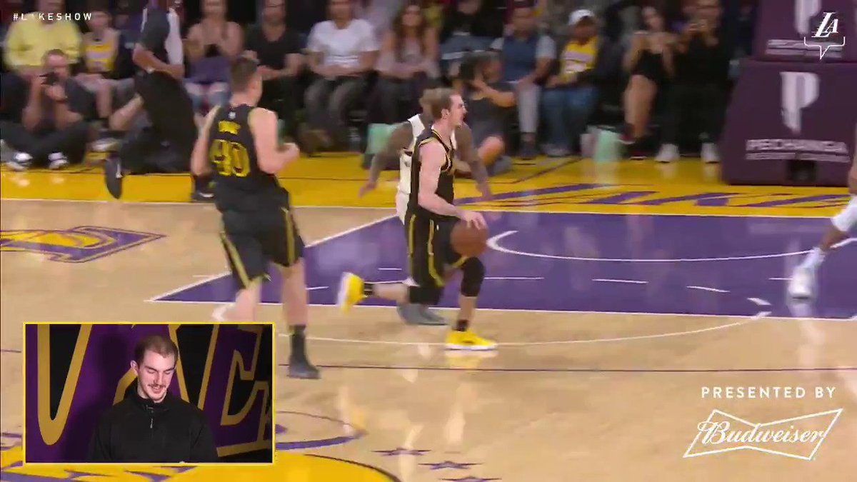 Top Play 8️⃣: 'This was a little bit risky...' @ACFresh21 ➡️ @ivicazubac ➡️ 🔨